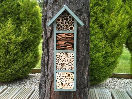 build bee house 4